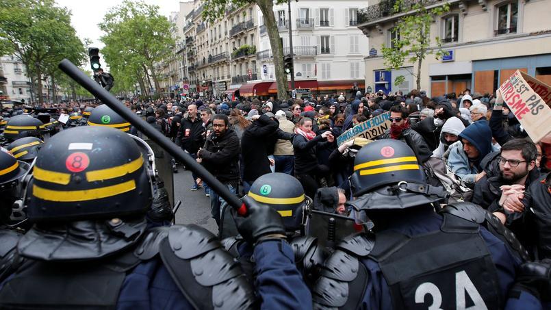 Lundi dans les rues de Paris.