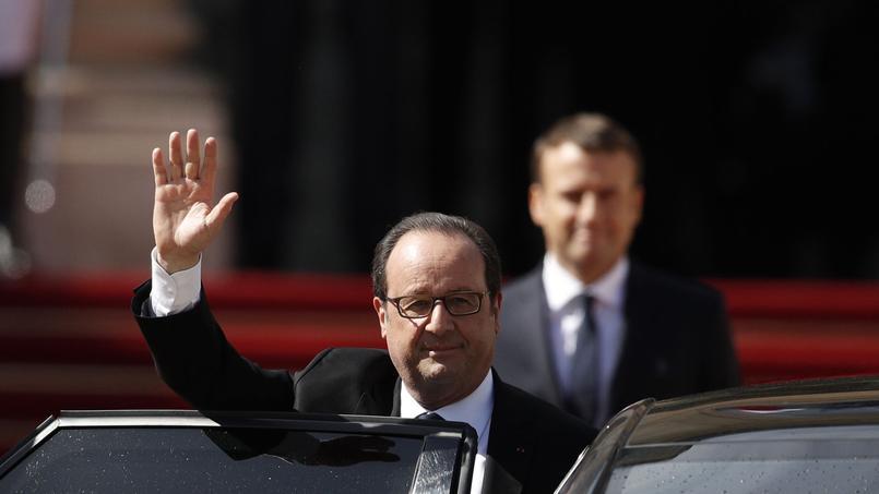 François Hollande quitte ses fonctions.