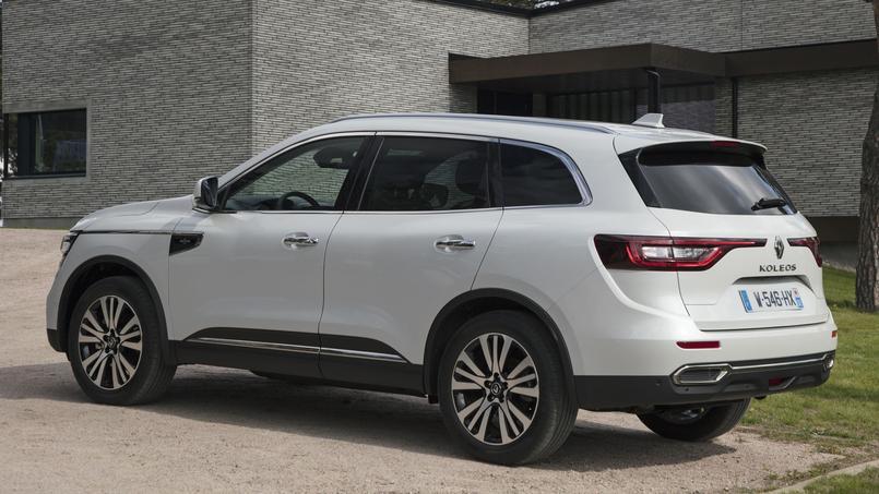 La signature lumineuse distinctive, constituée de feux diurnes à LED, permet d'identifier immédiatement une nouvelle Renault.
