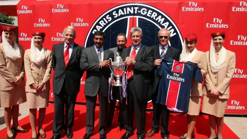 Signature du contrat entre Emirates et le PSG - 06 juin 2006