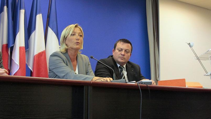Marine Le Pen, présidente du FN et Dominique Martin, eurodéputé