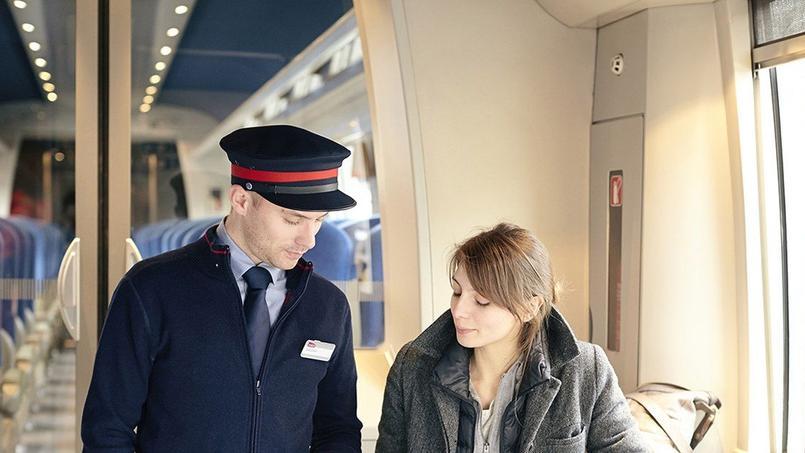 Des contrôles plus systématiques comme ici à bord d'un TER. © SNCF Médiathèque - MATHIEU RAFFARD
