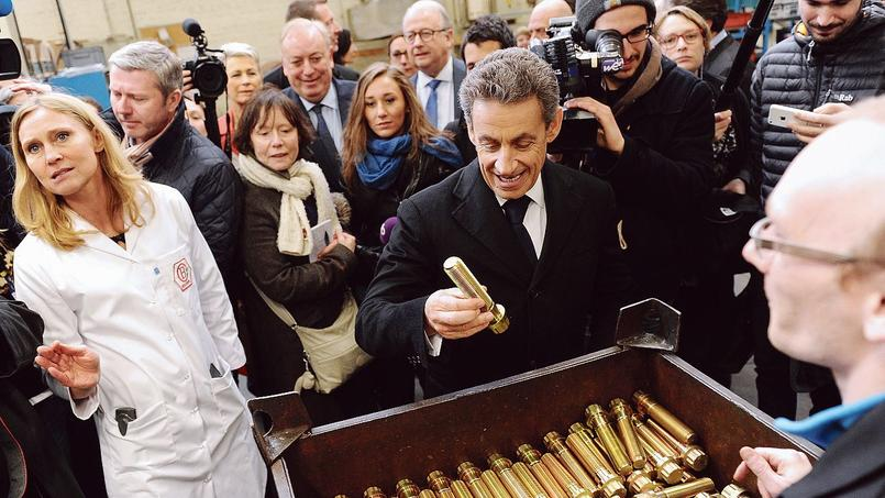 Nicolas Sarkozy en visite, mercredi, dans une usine d'Armentières (Nord).