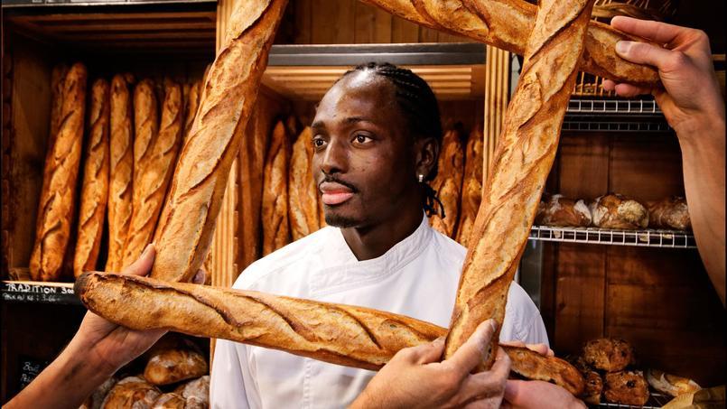 Djibril Bodian, boulanger du Grenier à Pain de la rue des Abbesses (XVIIIe).