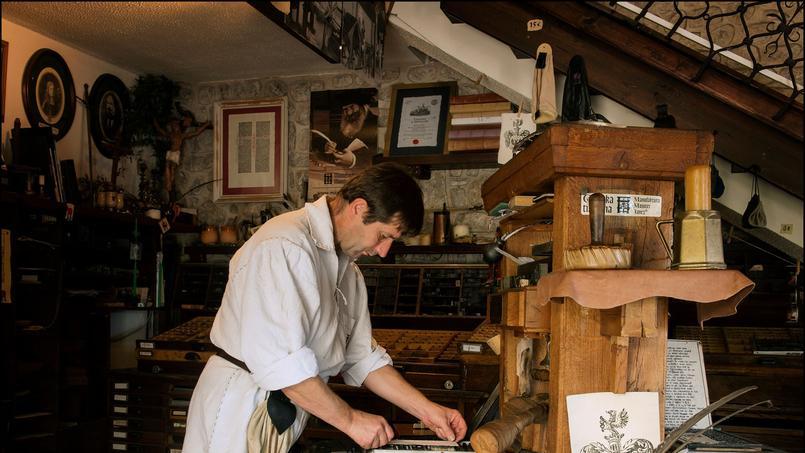 Le château de Bled abrite la réplique de la première presse Gutenberg. Le visiteur peut emprunter pendant quelques minutes le rôle d'un vrai maître imprimeur.