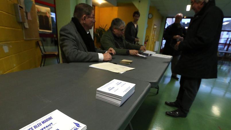 Un bureau de vote à Villers-Cotterêts.