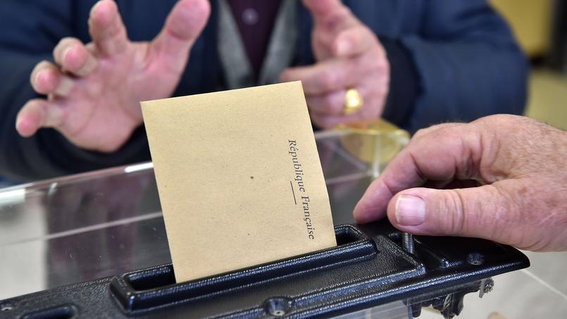 Après les élections départementales, le Gard reste à gauche.