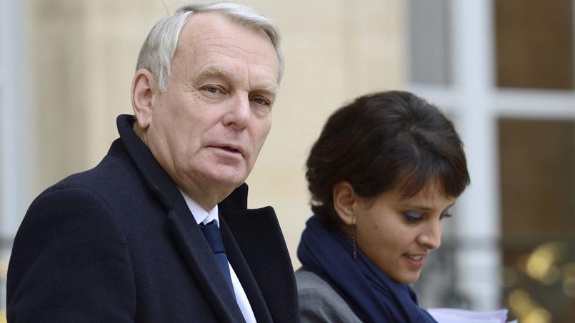Jean-Marc Ayrault et Najat Vallaud-Belkacem sur le perron de l'Élysée.