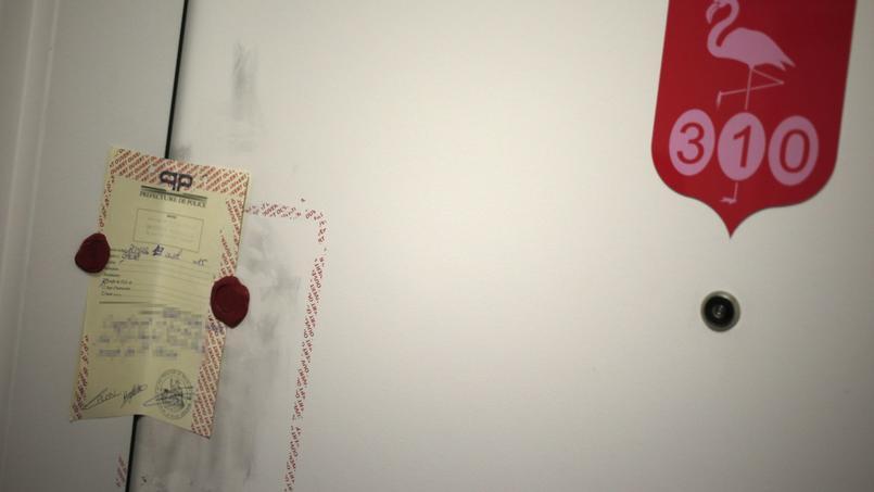 La porte de l'appartement ou vivait Sid Ahmed Ghlam a été mise sous scellés.
