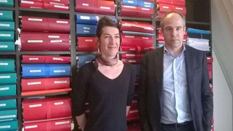 Valérie Murat et son avocat François Lafforgue à Paris, le 27 avril.