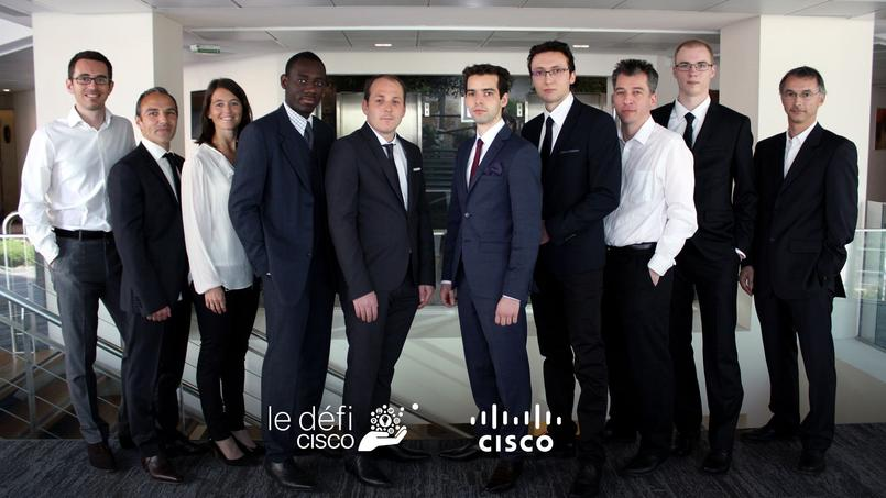 L'équipe de Connect'o et ses «mentors», des salariés bénévoles de Cisco.(de gauche à droite) Jean-Sébastien Milliere (Cisco), Stephan Alluchon (Cisco), Karine Paulini (Cisco), Philippe Njongang (Connect'O), Alexis Jorand (Connect'O), Thomas Schenck (Connect'O), Antoine Guyon (Connect'O), Sébastien Randoux (Cisco), Alexandre Muller (Connect'O), Florent Nolot (Université de Reims Champagne-Ardenne)
