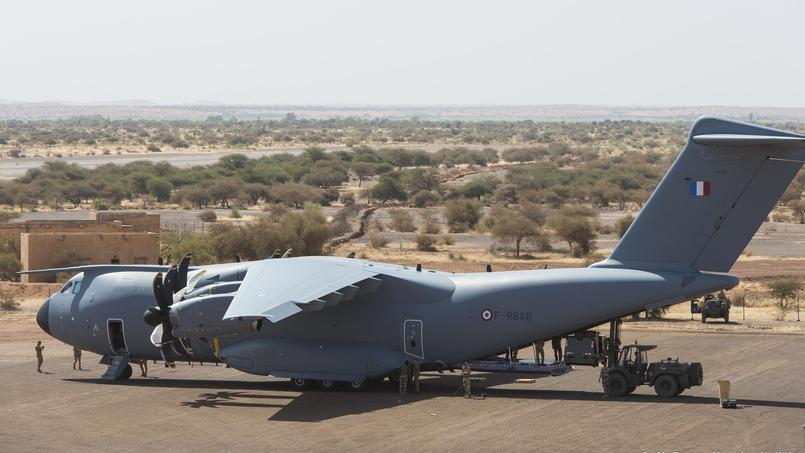 Airbus A 400M de l'armée française en opération au Mali. Crédit: Armée de l'air