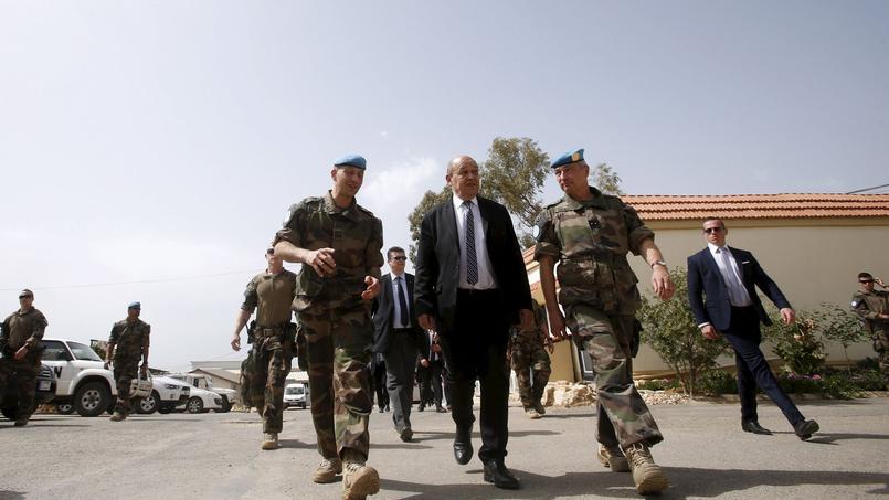 Le ministre de la Défense Jean-Yves Le Drian, le 20 avril 2015 au Liban.