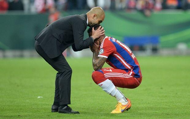 Ridiculisé par Messi, le défenseur du Bayern devient la risée du Web