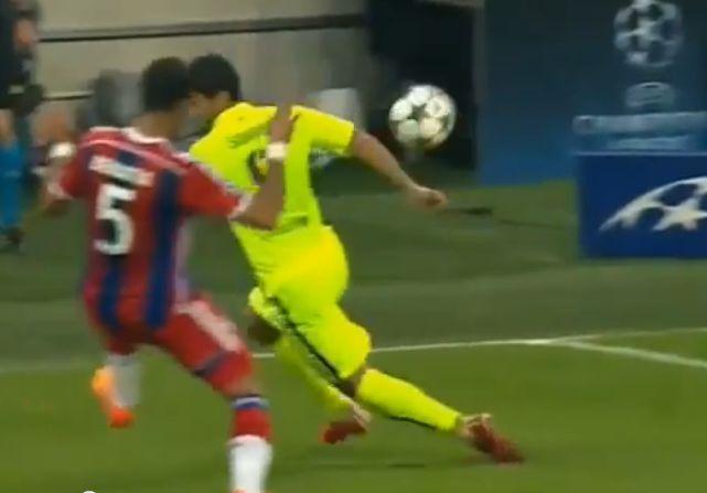 Le geste de classe de Luis Suarez face au Bayern