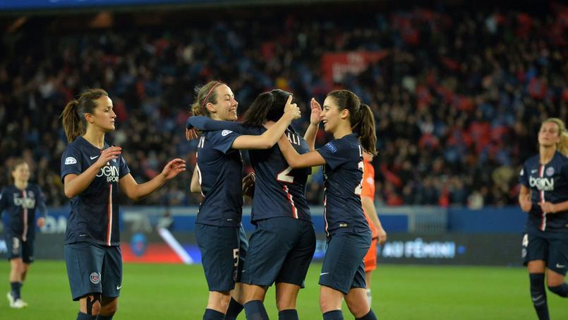 Les filles du Paris SG en quarts de finale de la Ligue des champions au Parc des Princes face à Glasgow.