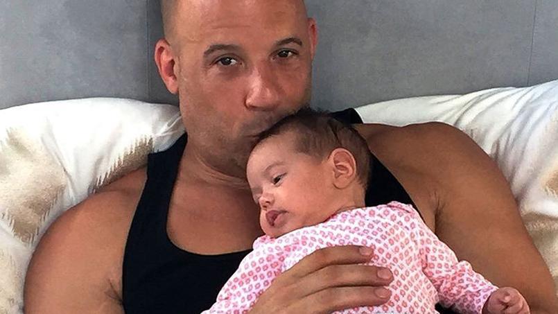 vin diesel d voile une photo de sa fille baptis e pauline en hommage paul walker. Black Bedroom Furniture Sets. Home Design Ideas