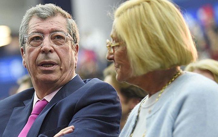 Patrick et Isabelle Balkany, à Boulogne-Billancourt le 25 novembre 2014. AFP Photo / Martin Bureau