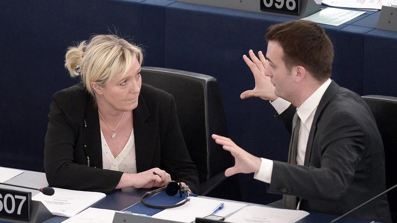 Marine Le Pen et Florian Philippot au Parlement européen, à Strasbourg, le 29 avril 2015.