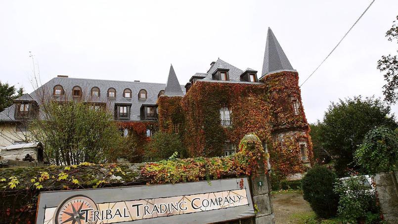 Le manoir de Navarrenx qui abrite la secte Tabitha's Place, à Sus (Pyrénées-Atlantiques), en 2006.