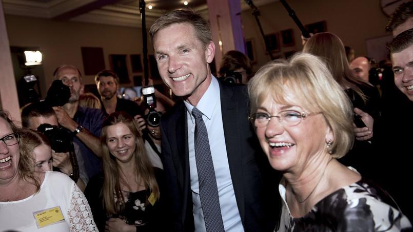 Kristian Thulesen Dahl, le leader du parti danois anti-immigration DF, se réjouit du score historique de sa formation au côté de Pia Kjaersgaard, à qui il a succédé en 2011.