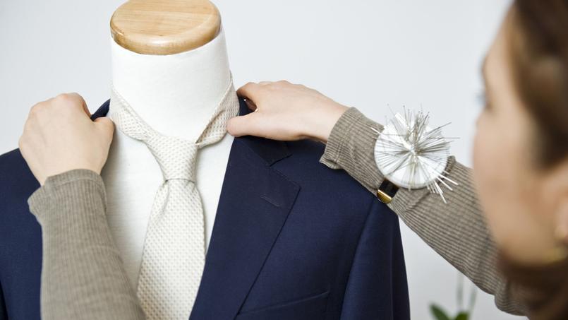 Les Nouveaux Ateliers et Tailor Corner proposent des costumes sur-mesure aux prix du prêt-à-porter.