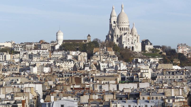 Le Sacré-Cœur, symbole planté au sommet de la butte Montmartre à Paris.