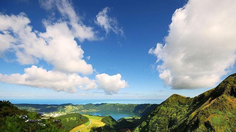 Panoramas exceptionnels, lagunes et caldeiras: demandez le programme des merveilles des Açores!