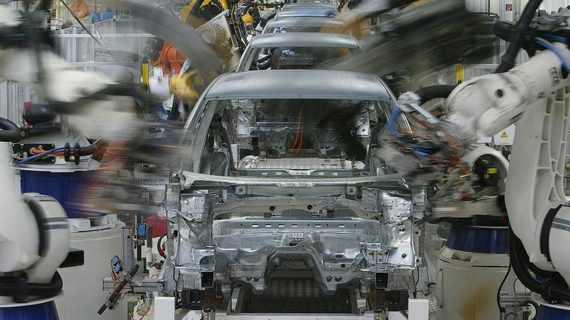 Des robots sur une ligne de montage de Volkswagen