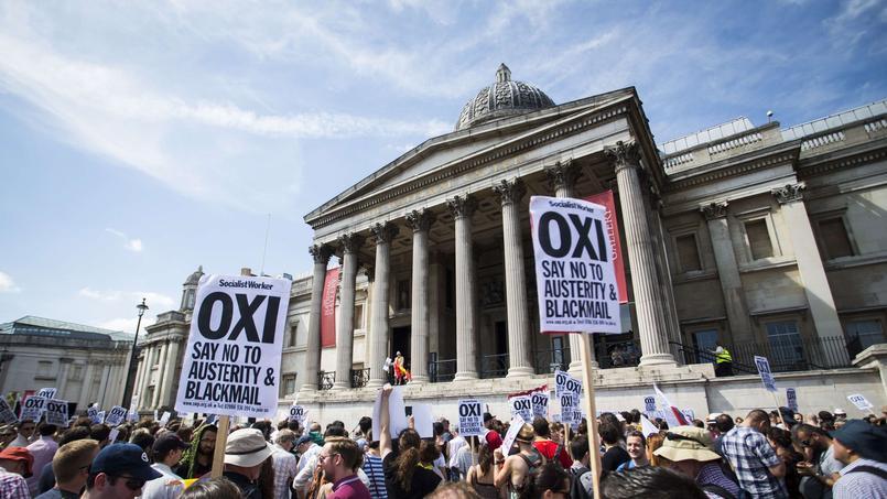 Les électeurs se prononcent pour ou contre l'offre des créanciers du pays.