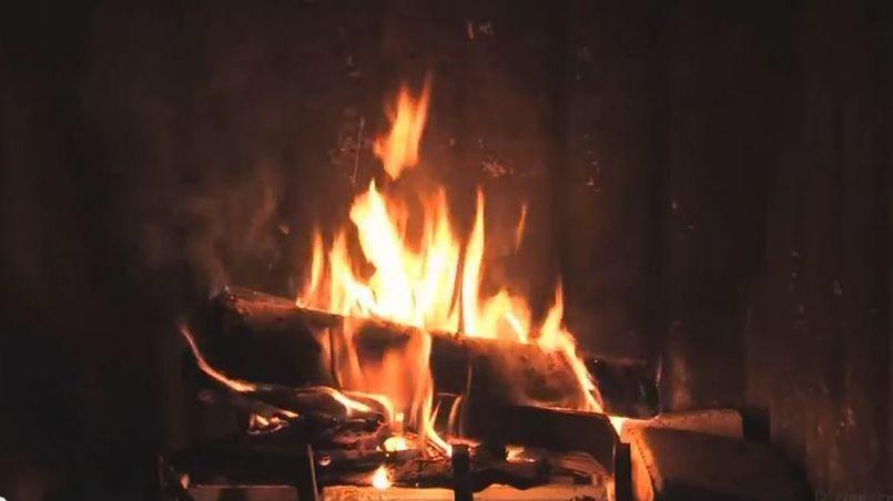 Philippe delerm eloge du feu de chemin e - Image feu de cheminee ...