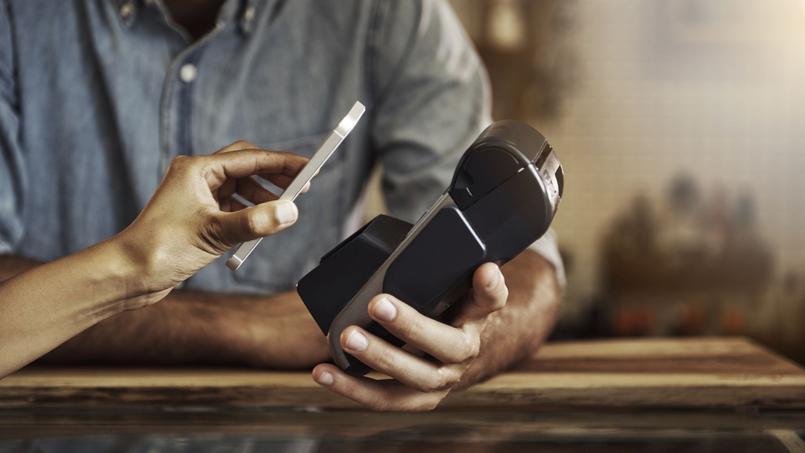 Entre les iPhones et les Android, la guerre de cent ans continue.