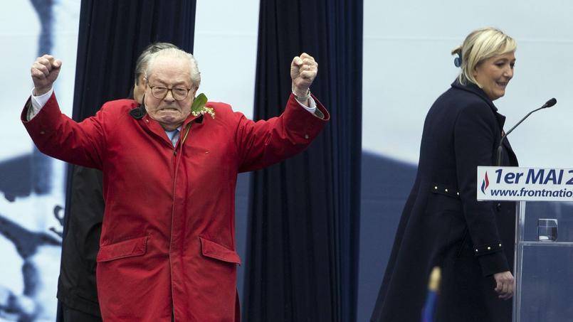 Jean-Marie et Marine Le Pen le 1er mai 2015