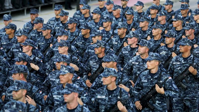 Parade militaire croate à Zagreb pour célébrer le vingtième anniversaire de l'Opération Tempête