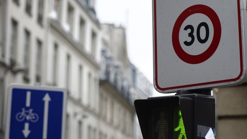 Grenoble devient la première grande ville à limiter la vitesse à 30 km/h