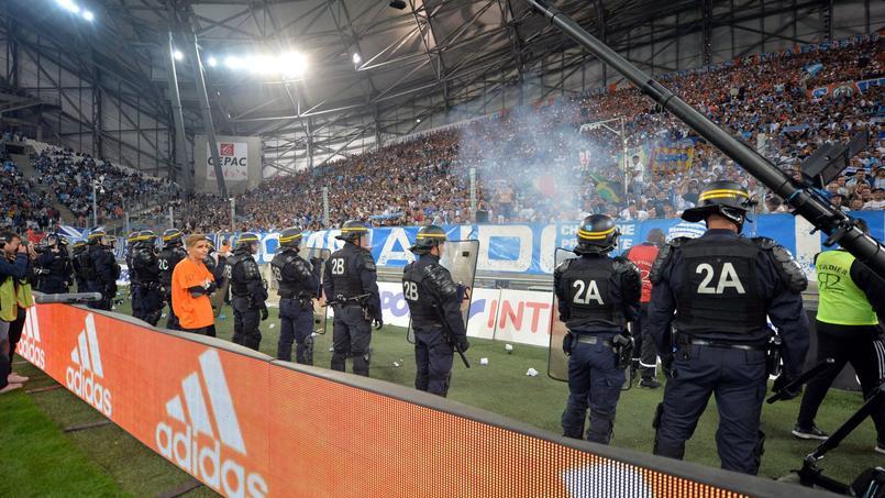 Incidents OM-OL : 4 à 6 mois ferme pour des supporters marseillais