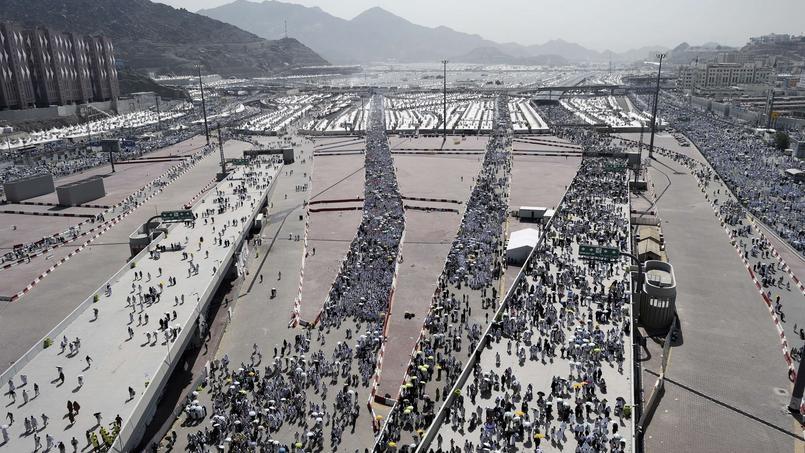 Des millions de pèlerins affluent chaque année à La Mecque, un défi d'organisation pour l'Arabie Saoudite, qui a amélioré la gestion de cet événement depuis 2009.