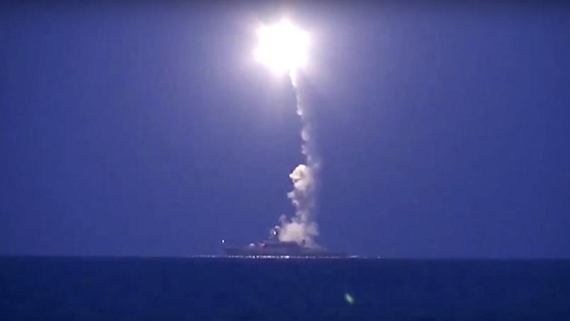 Un des missiles russes visant la Syrie tirés hier