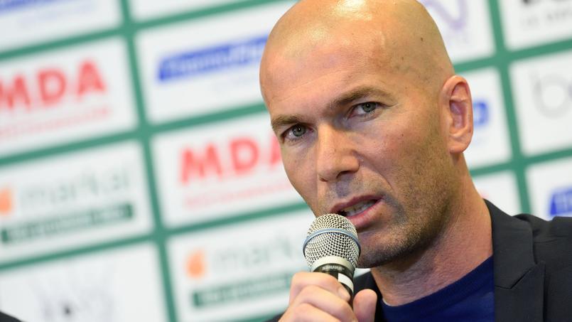 Zinédine Zidane place le Paris SG au-dessus du FC Barcelone actuellement.