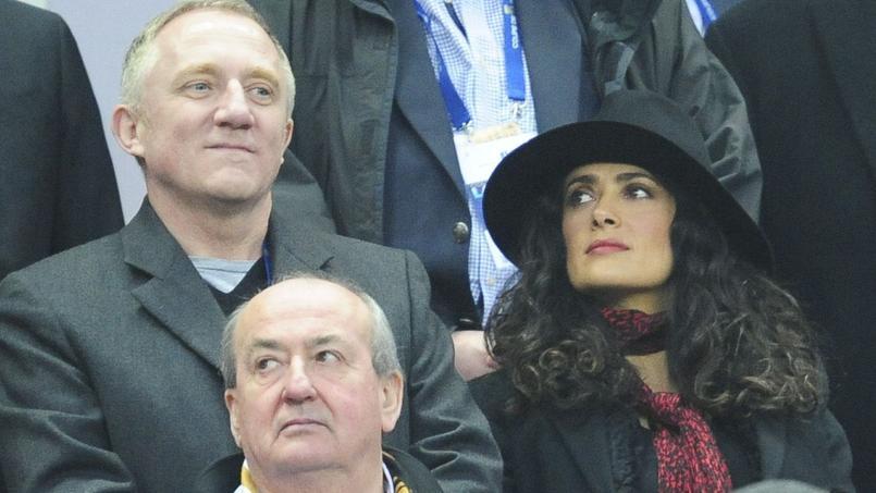 Salma Hayek en compagnie de François-Henri Pinault au Stade de France en 2013 en finale de Coupe de la Ligue.