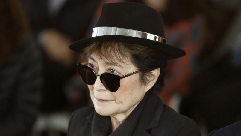Yoko Ono avoue craindre pour sa vie depuis l'assassinat de son compagnon John Lennon, le 8 décembre 1980.