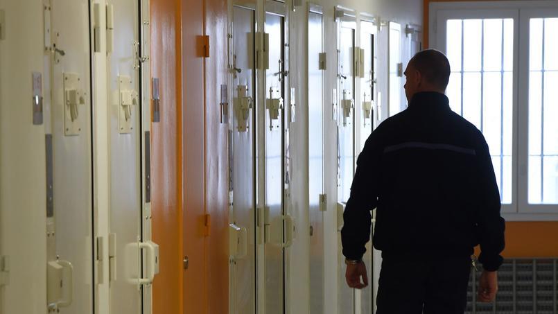 Un surveillant de prison à Valence.