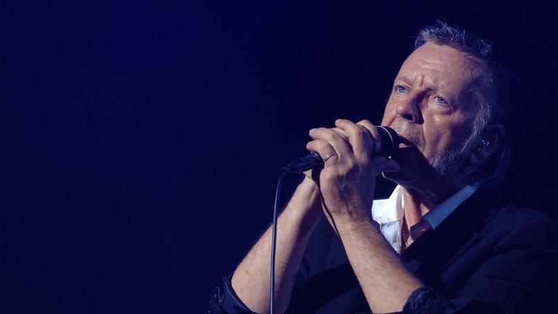 Renaud évoque son fils Malone dans sa chanson Ta Batterie.