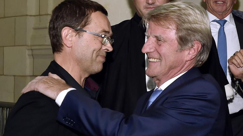 Nicolas Bonnemaison et Bernard Kouchner, jeudi 22 octobre 2015, au palais de justice d'Angers.