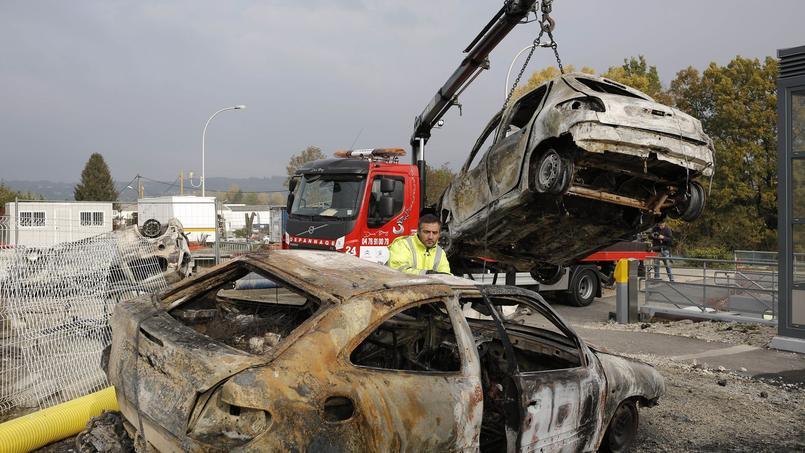 «C'était impressionnant, ces voitures qui brûlaient dans la nuit»