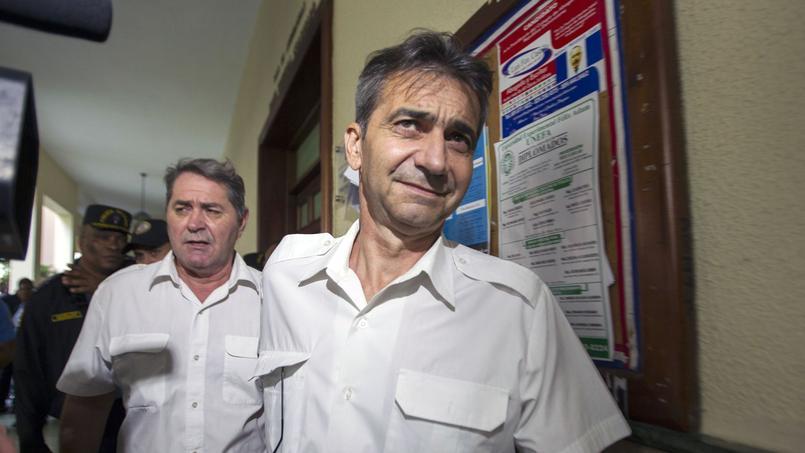 Pascal Fauret (à gauche) et son copilote Bruno Odos (à droite).