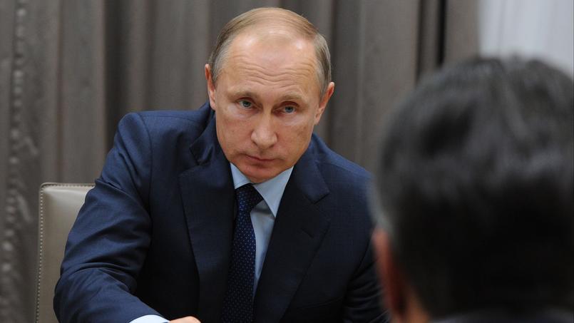 Vladimir Poutine dialoguant avec Sigmar Gabriel, le vice-chancelier allemand, près de Moscou - 28 octobre 2015