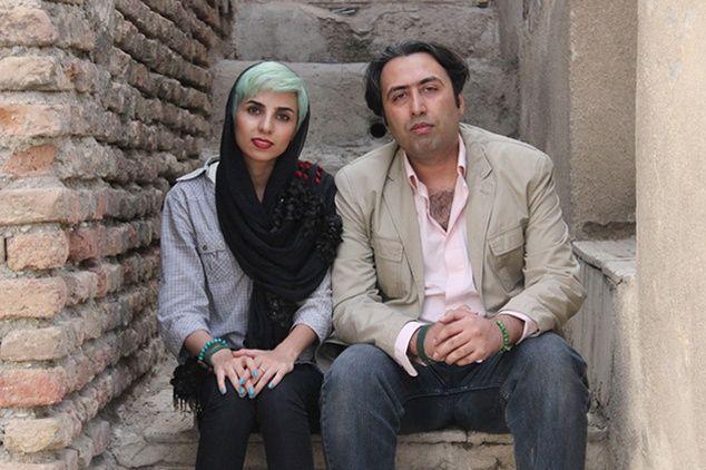 Fateme Ekhtesari et Mehdi Musavi sont tous les deux poètes en Iran.