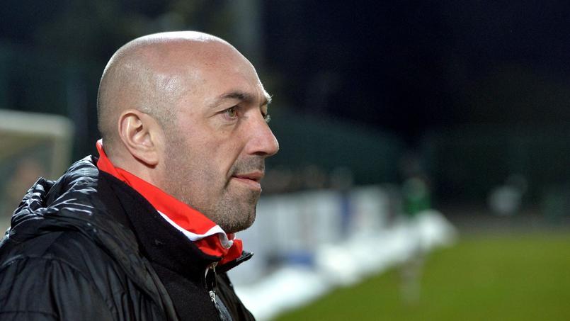 L'entraîneur de Valenciennes tient des propos sexistes contre l'arbitre avant de s'excuser