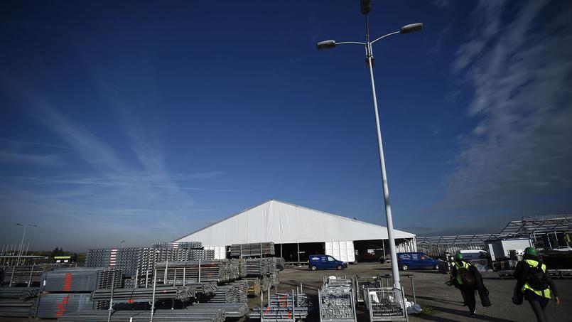 Le site en construction qui accueillera la COP21, dans le Parc des expositions du Bourget.